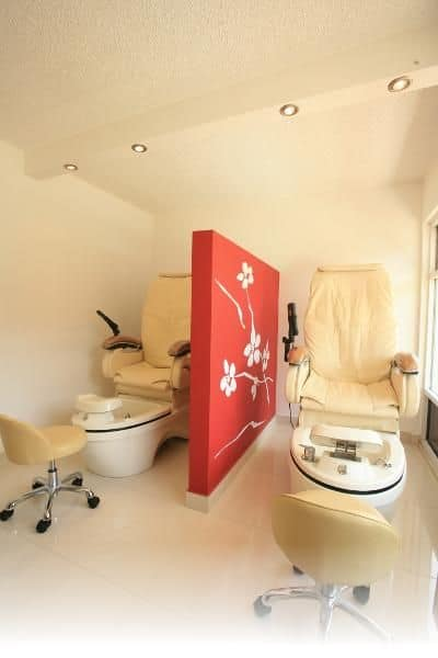 miguels-spa treatment-room 400